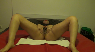 Mistress Roberta- Shitting In Bed-Pov